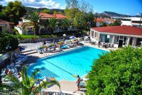 Bazén u hotelu Admiral, Argassi